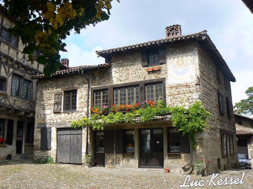 Les plus beaux villages de france de l 39 ain notrebellefrance for Les plus beaux villages des yvelines