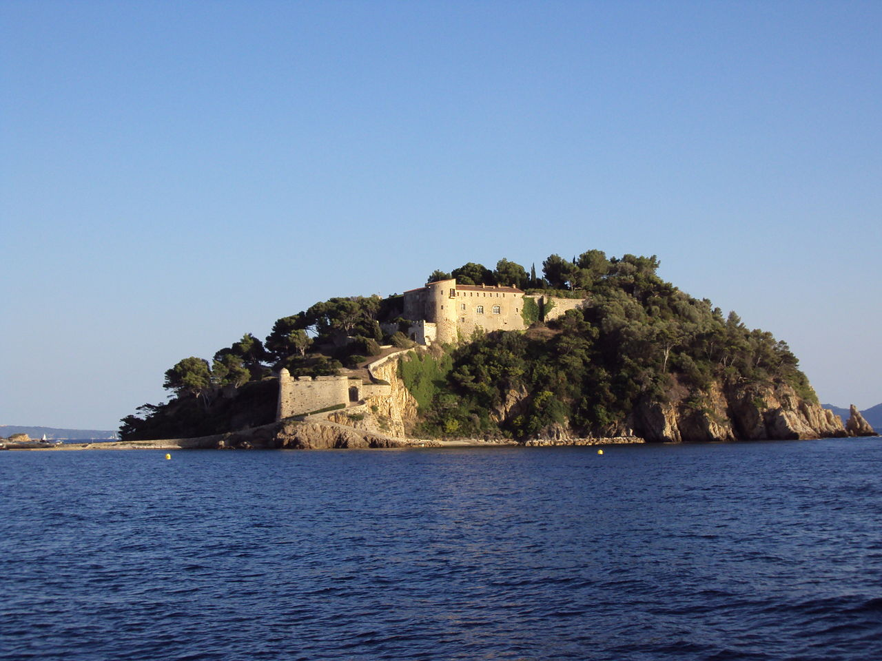 Fort de Brégançon By Patrub01 CC BY-SA 3.0 via Wikimedia Commons