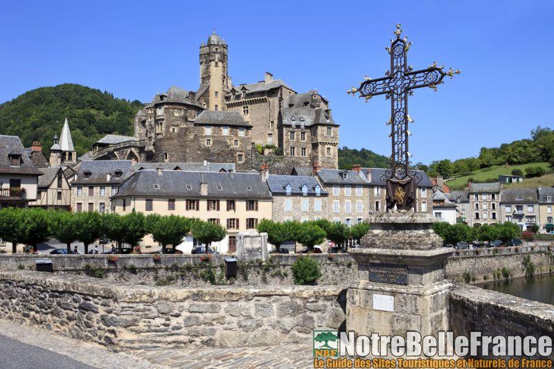 Le village d'Estaing