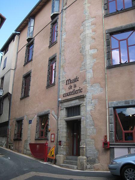 Musée de la Coutellerie de Thiers By Sylenius (Own work) CC BY-SA 3.0 via Wikimedia Commons