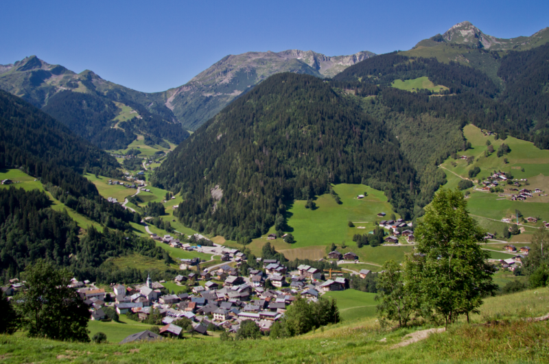 Areches Beaufort By Officiel-areches-beaufort CC BY-SA 4.0 via Wikimedia Commons