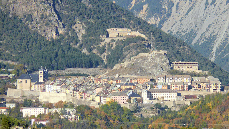 Briançon By MOSSOT CC BY 3.0  via Wikimedia Commons