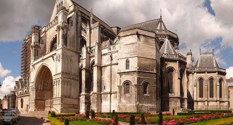 Cathédrale Notre-Dame de Saint-Omer By Welleschik CC BY-SA 3.0 via Wikimedia Commons