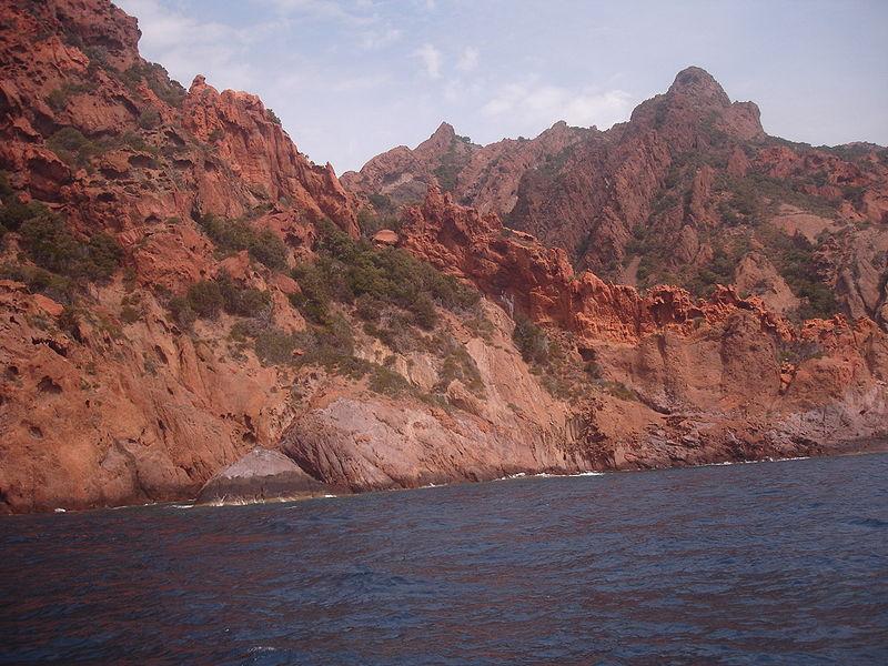 Réserve naturelle de Scandola By Pinpin CC BY 2.5 via Wikimedia Commons