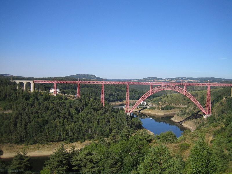 Le viaduc de Garabit By Sébastien Bertrand CC BY 2.0  via Wikimedia Commons