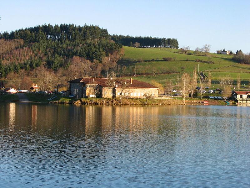 Lac des Sapins By Royalizator CC BY-SA 3.0 via Wikimedia Commons