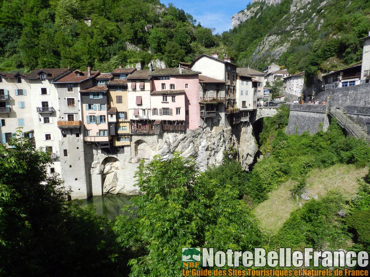 Pont-en-Royans les maisons suspendues