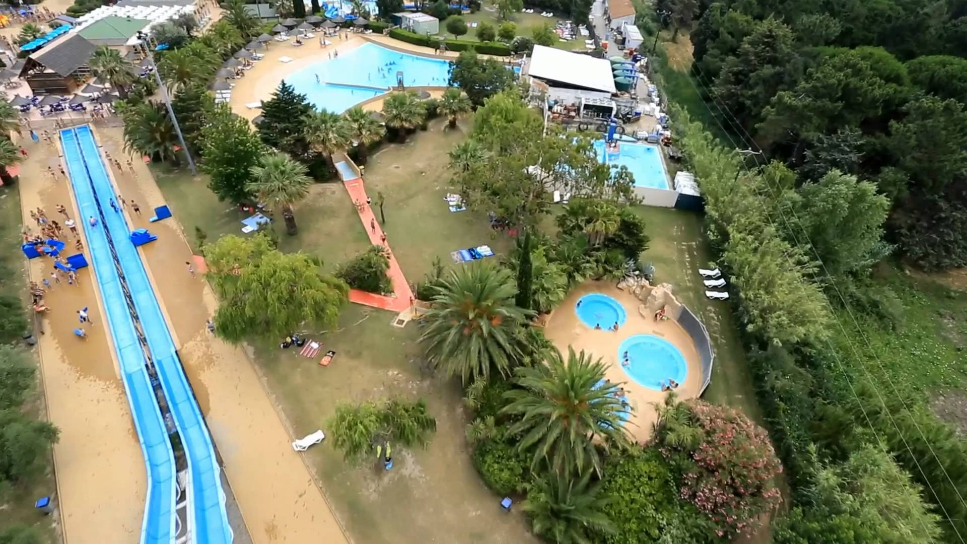 Aqualand Saint Cyprien photo de youtube.com