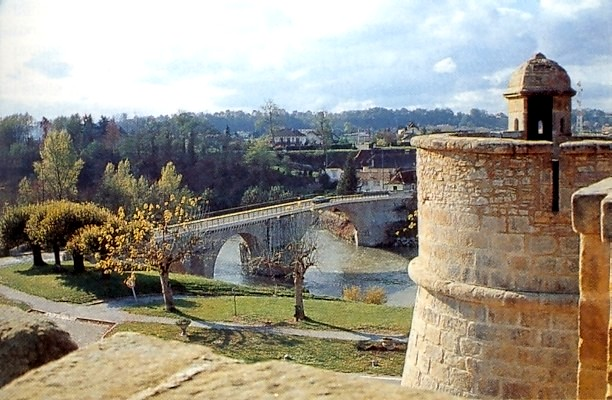 Navarrenx By Jaume [Public domain], via Wikimedia Commons