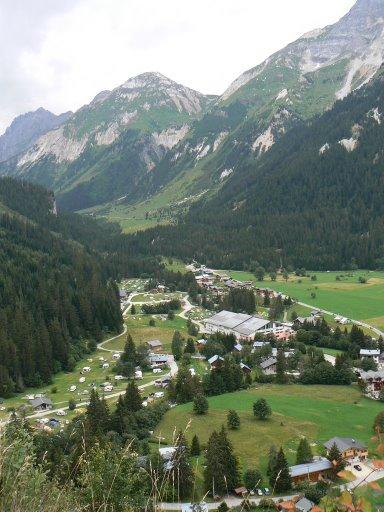 Pralognan la Vanoise By Abalg via Wikimedia Commons