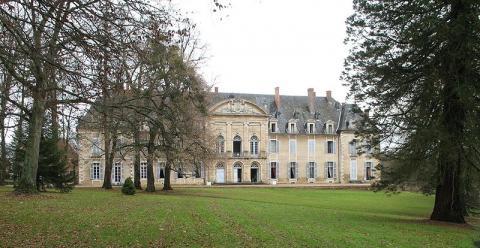 Abbaye de La Ferté By PHILDIC via Wikimedia Commons