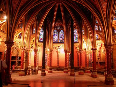 Sainte-Chapelle User: (WT-shared) Riggwelter at wts wikivoyage CC BY-SA 4.0-3.0-2.5-2.0-1.0 via Wikimedia Commons