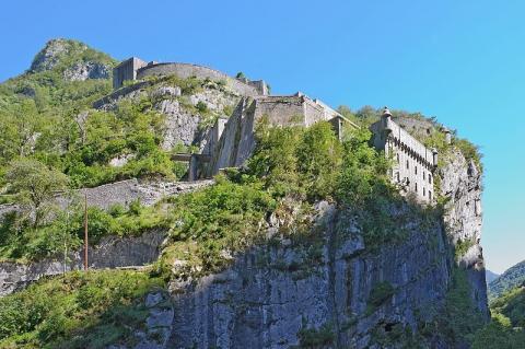 Fort du Portalet by Myrabellavia Wikimedia Commons