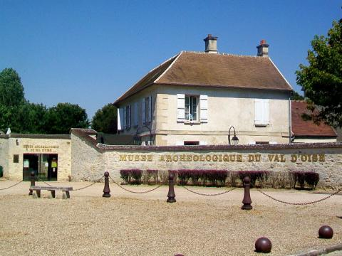 Musée Archéologique du Val d'Oise By P.poschadel CC BY-SA 3.0 via Wikimedia Commons