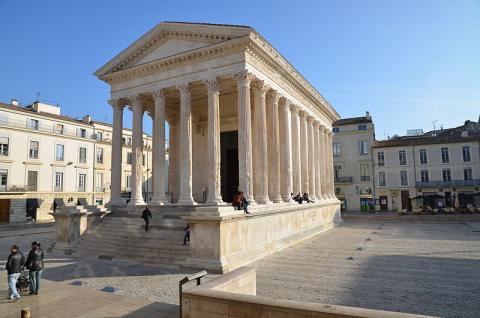 Maison Carrée à Nîmes Par La-tête-ailleurs CC BY-SA 3.0 via Wikimedia Commons