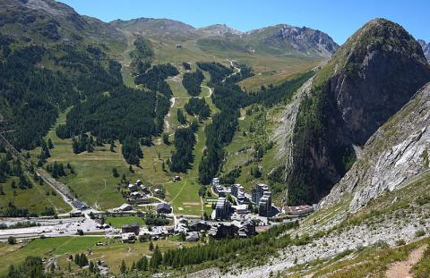 Val d'Isère Tiia Monto CC BY-SA 3.0 via Wikimedia Commons
