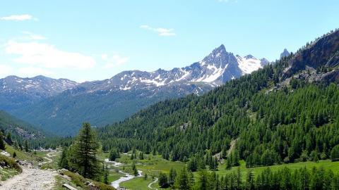 La vallée de la Clarée By JeDiraisQue CC BY-SA 3.0 via Wikimedia Commons