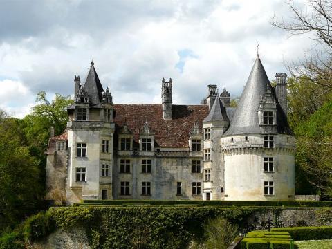 Le Château de Puyguilhem By Père Igor CC BY-SA 3.0  via Wikimedia Commons