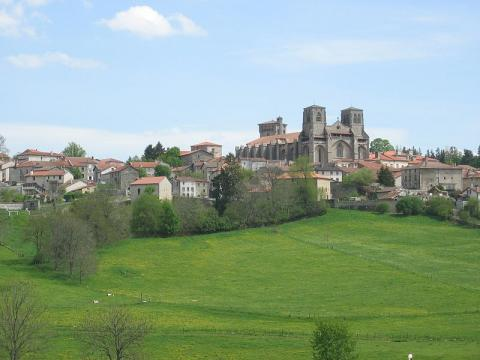 Abbaye de la Chaise-Dieu By Otcasadei CC BY-SA 4.0 via Wikimedia Commons