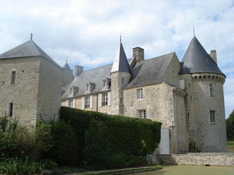 Château de Colombières By Mikemorrison via Wikimedia Commons