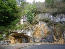 Entrée de la Grotte d'Isturitz
