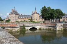 Château du Duc d'Antin By Reinhardhauke CC BY-SA 3.0 via Wikimedia Commons