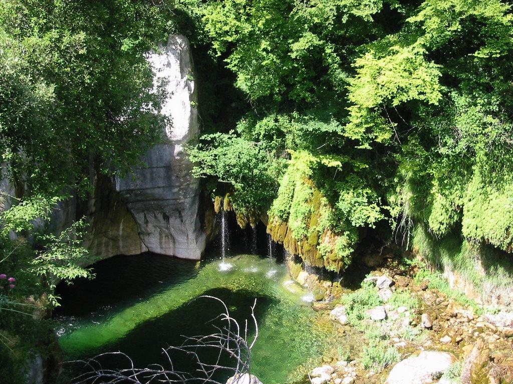 11 La cascade des Pétrifiantes