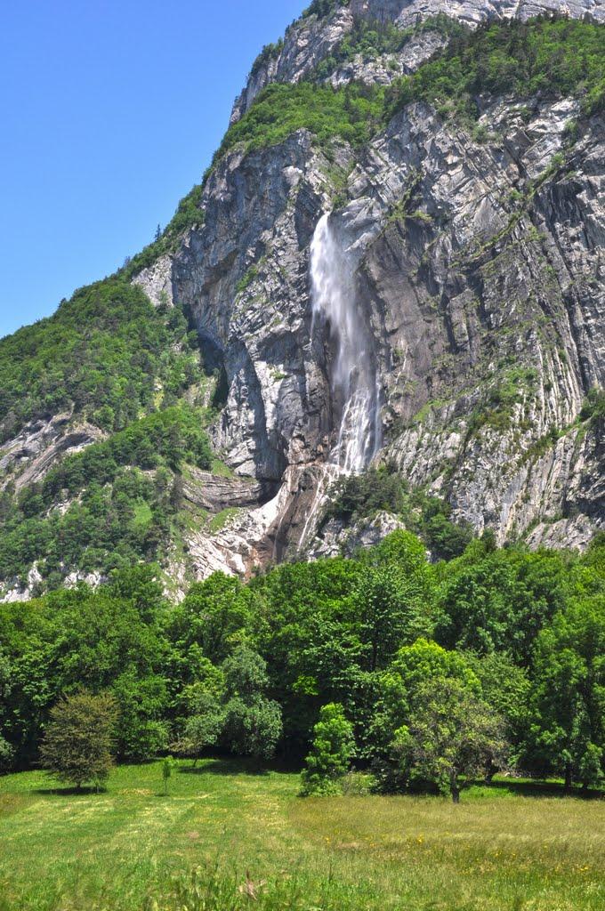 18 La cascade d'Arpenaz