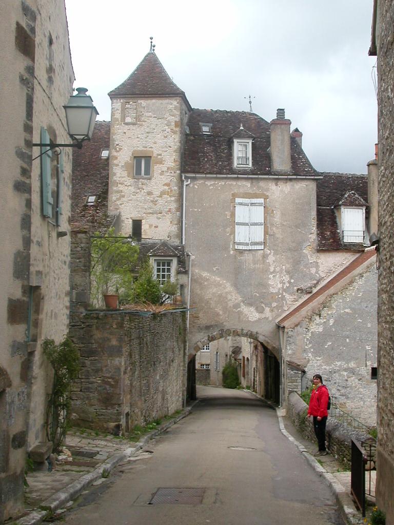 Les plus beaux villages de France de l'Yonne - Notrebellefrance