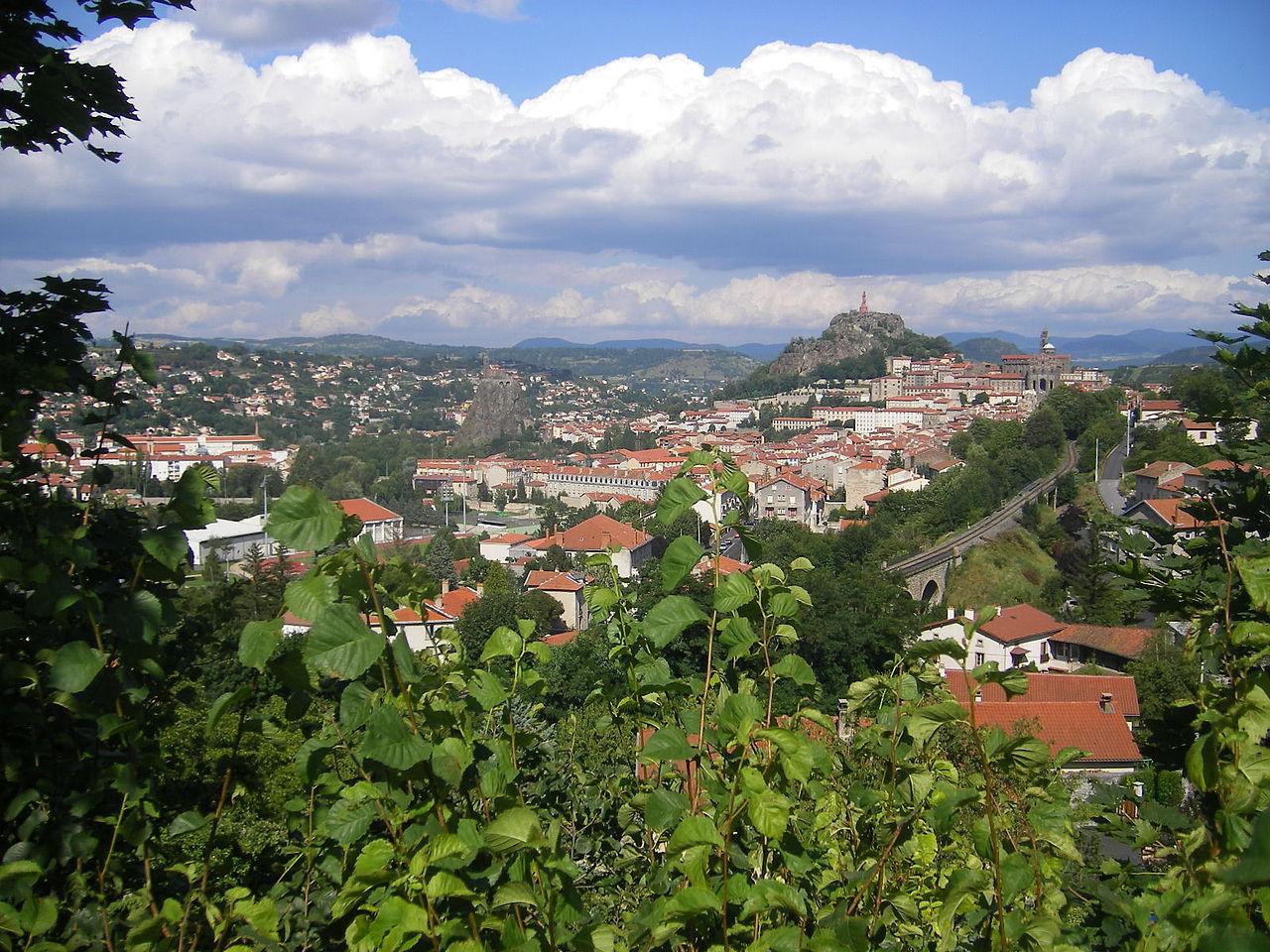 Le Puy en Velay By Szeder László via Wikimedia Commons