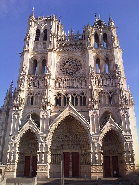La Cathédrale Notre-Dame d'Amiens By JBCousin CC BY-SA 3.0 via Wikimedia Commons