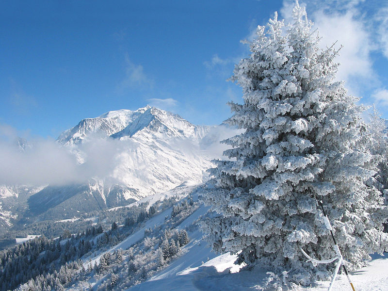 Saint Gervais Mont-Blanc By Jean-Pol GRANDMONT (Own work) via Wikimedia Commons