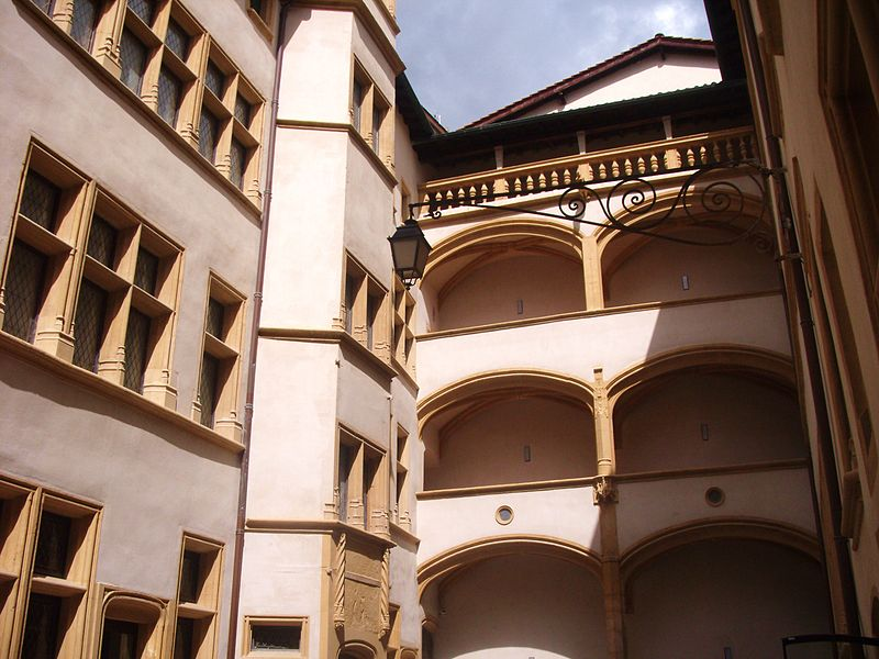 Musée d'Histoire de Lyon, les Musées de Gadagne By Jean-Marc Brivet (Own work) CC BY-SA 3.0 via Wikimedia Commons