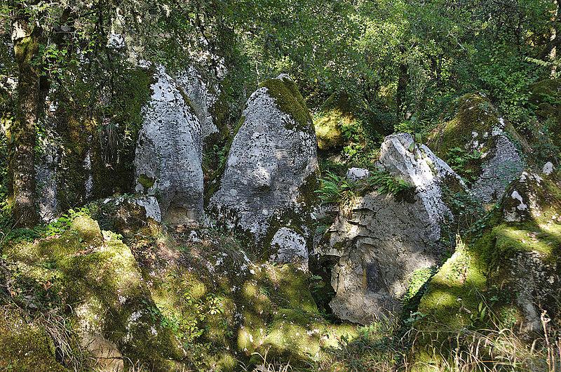 Phosphatières du Cloup d'Aural By Clément Bucco-Lechat CC BY-SA 3.0 via Wikimedia Commons