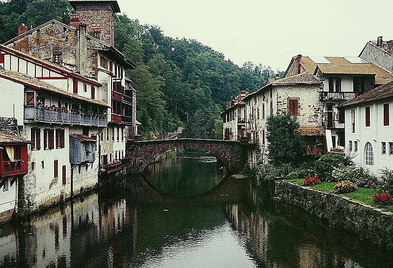 Saint-Jean-Pied-de-Port By Ziegler175 CC BY-SA 4.0  via Wikimedia Commons