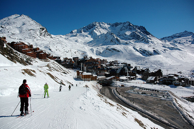 Val Thorens By Dimitri Neyt at nl.wikipedia [Public domain], from Wikimedia Commons
