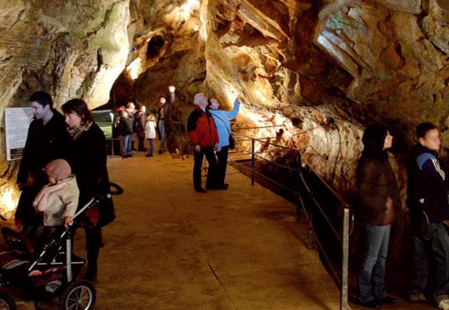 Grottes d'Azé