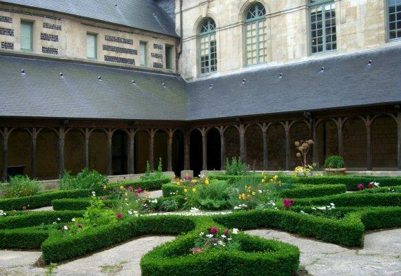 Abbaye de Montivilliers Par Anne97432 CC BY-SA 3.0 via Wikimedia Commons