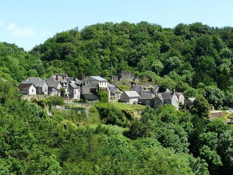 Gimel-les-Cascades By Père Igor CC BY-SA 3.0 via Wikimedia Commons