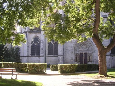 Basilique Cathédrale de Saint Denis By Marizzoni (Own work) via Wikimedia Commons