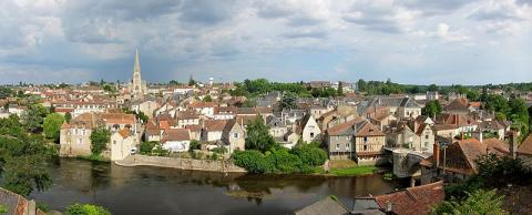 Montmorillon By Velvet (Own work) CC BY-SA 3.0 via Wikimedia Commons