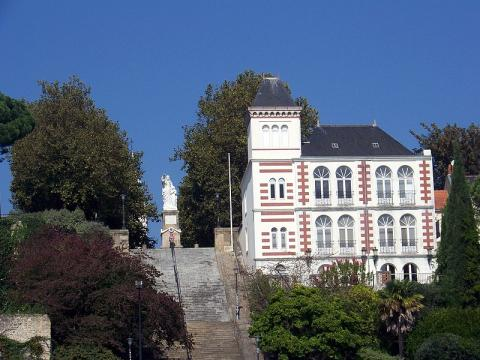 Musée Jules Verne By Alainauzas (Own work) CC BY-SA 4.0 via Wikimedia Commons