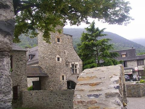 Saint Lary Soulan By PIERRE ANDRE LECLERCQ CC BY-SA 4.0-3.0-2.5-2.0-1.0 via Wikimedia Commons