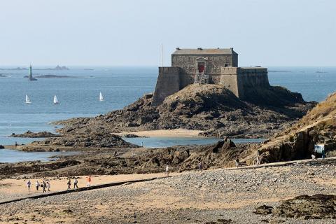 Fort du Petit Bé © Guillaume Piollevia Wikimedia Commons