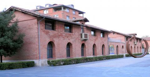 Les Abattoirs Musée d'art moderne et contemporain By MOSSOT (Own work) via Wikimedia Commons