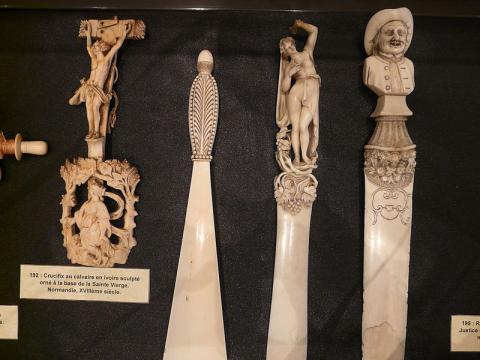 Musée des Ivoires Par Jean-Pierre 37 (Travail personnel) CC BY-SA 3.0 via Wikimedia Commons