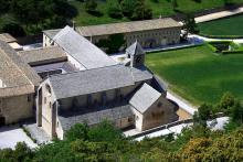 Abbaye de Sénanque By jean-louis Zimmermann CC BY 2.0via Wikimedia Commons