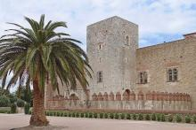 Palais des rois de Majorque By Jean-Pierre Dalbéra CC BY 2.0 via Wikimedia Commons