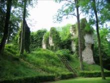 Vestiges du château feodal de Fressin en vidéo