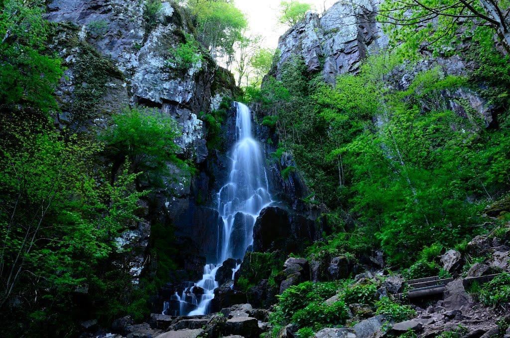 9 La cascade du Nideck